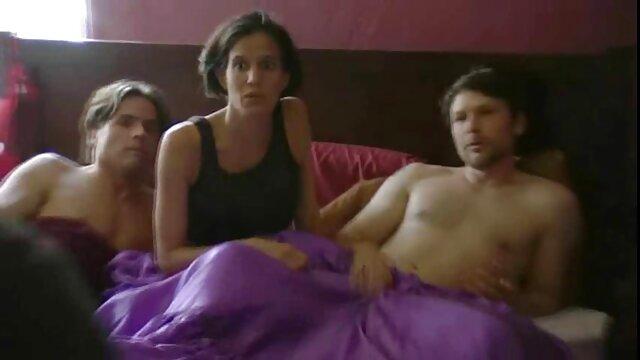Busty filme x francai Sexy Lesbians Sara Jay & Richelle Ryan Caressant
