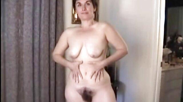Nina adore quand la film x francais en streaming gratuit langue d'un homme joue avec son clitoris